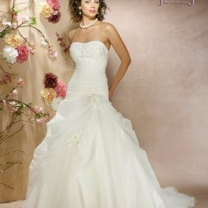 Size 8 Wedding Gown
